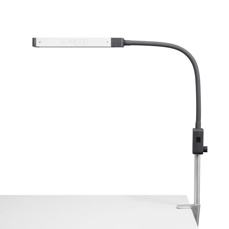 В отличие, от старых изделий, новые светодиодные светильники получили меньшее энергопотребление и больший световой поток.