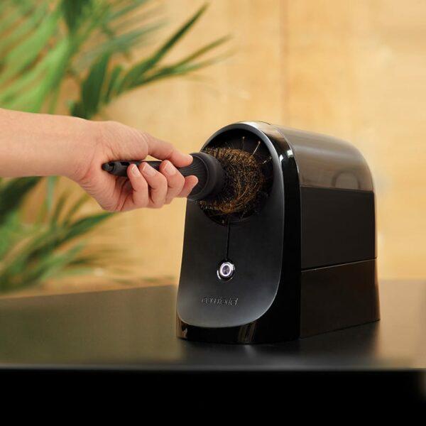 1545 Comfortl Presto Brush Cleaner -in motion